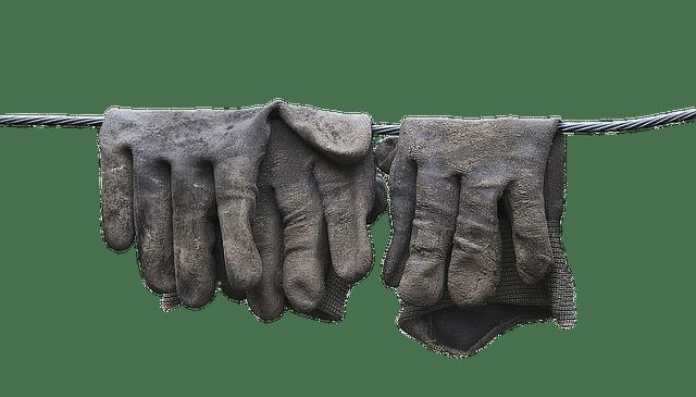 nettoyer des gants de travail en cuir